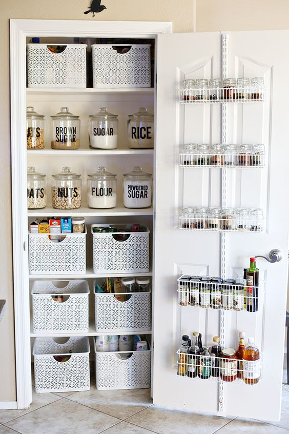 43 CONVENIENT AND PRACTICAL KITCHEN STORAGE DESIGN AND IDEAS